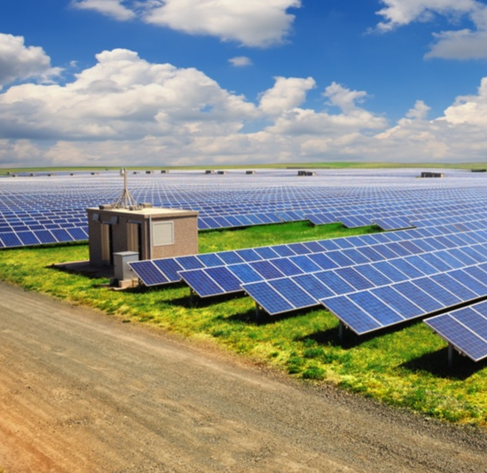 Three-phase PV inverter for grid-tied applications