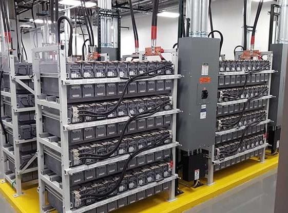 Three-phase voltage source inverter